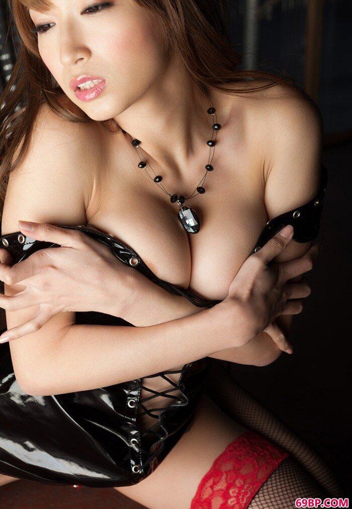 百变美人美丽制服私密秀_西西人体体术图片大胆