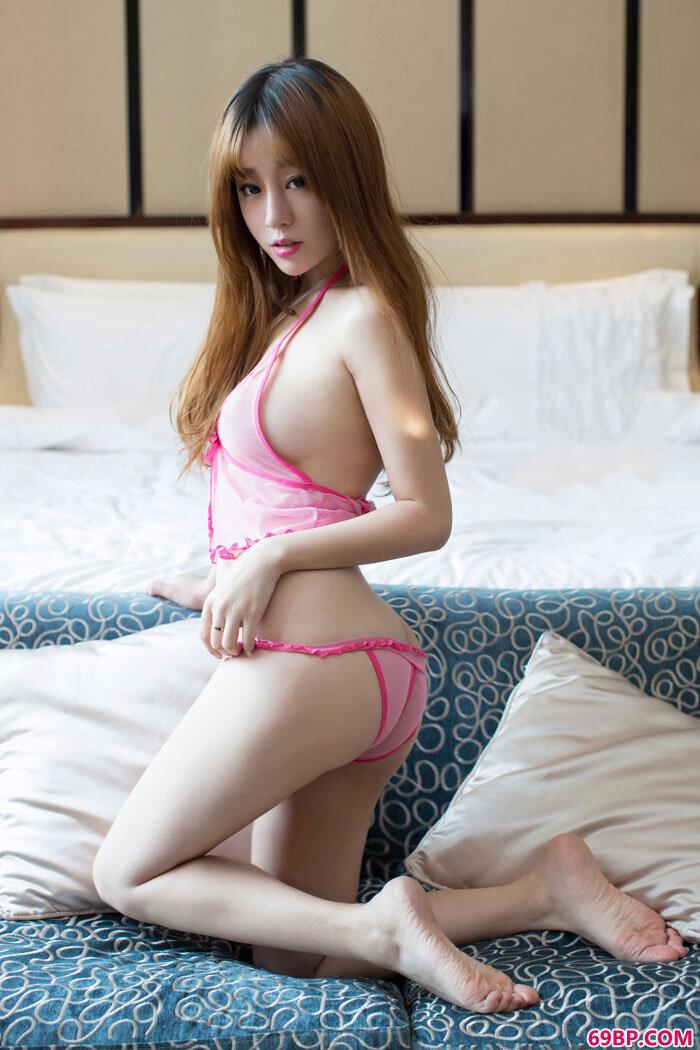 妹子王语纯透视内裤美胸依稀可见_优优高清人体艺术