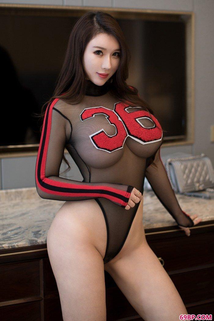 爆乳少女尤妮丝身姿魅惑妩媚动人_高中女友的粉嫩11p
