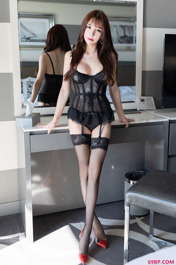 贴心秘书周于希黑丝网衣等你起床爱抚_饥渴少妇17P