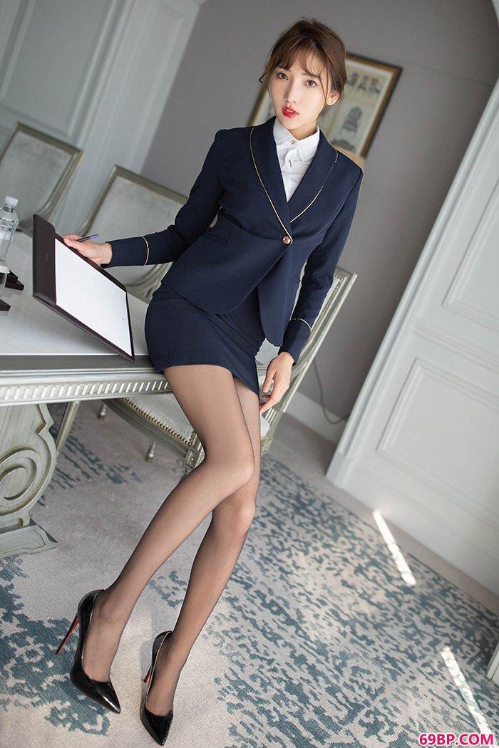 诱惑秘书陆萱萱长腿高跟羞涩裸露_亚洲欧美国产中文日韩
