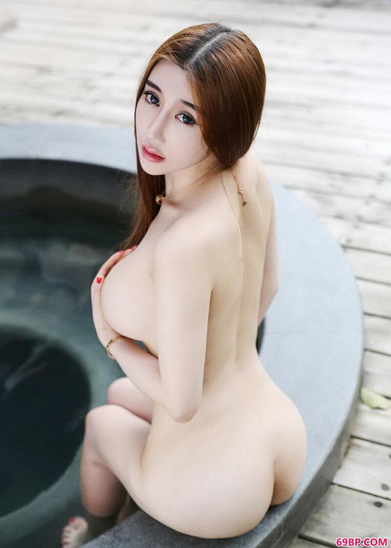 陆瓷美乳丰臀热辣辣令人喷血_少妇的小内裤都湿透了