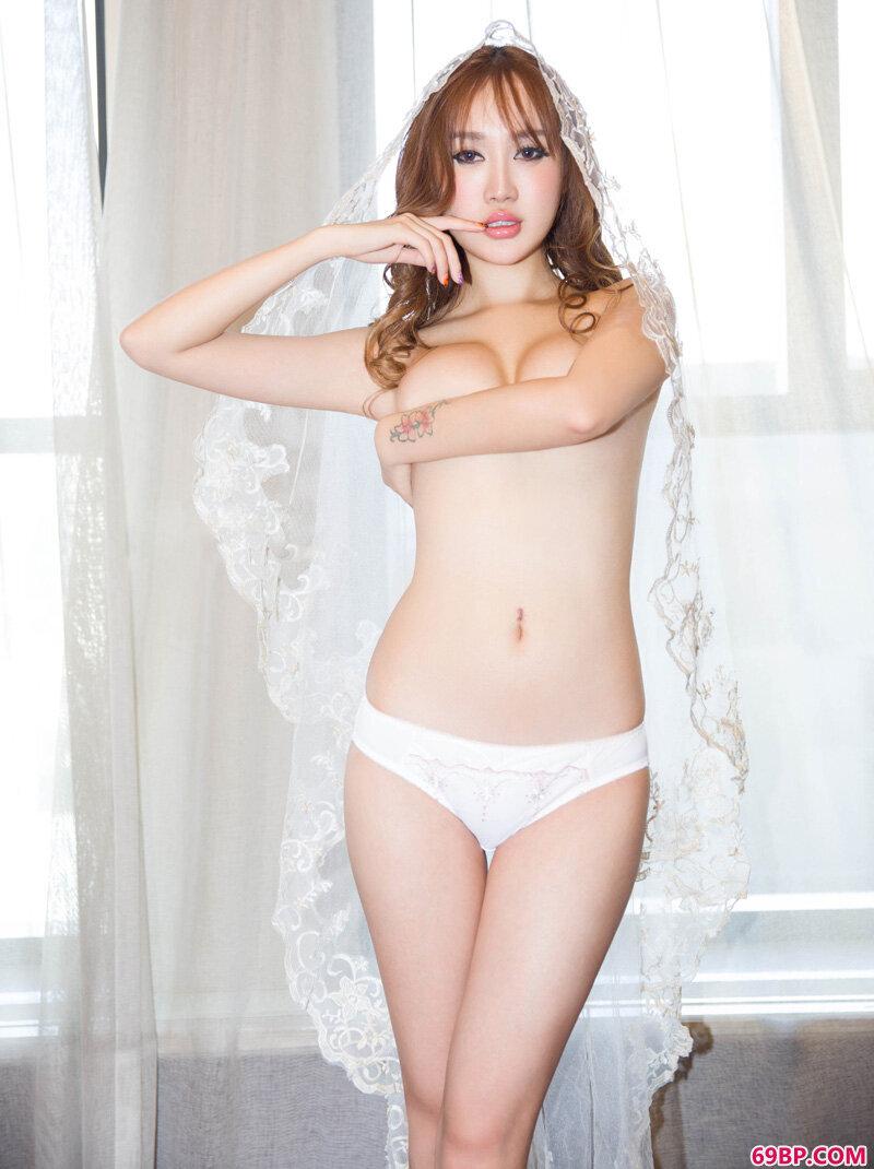 制服装嫩模加美春光外泄_西西人体图片奥雷www44rt