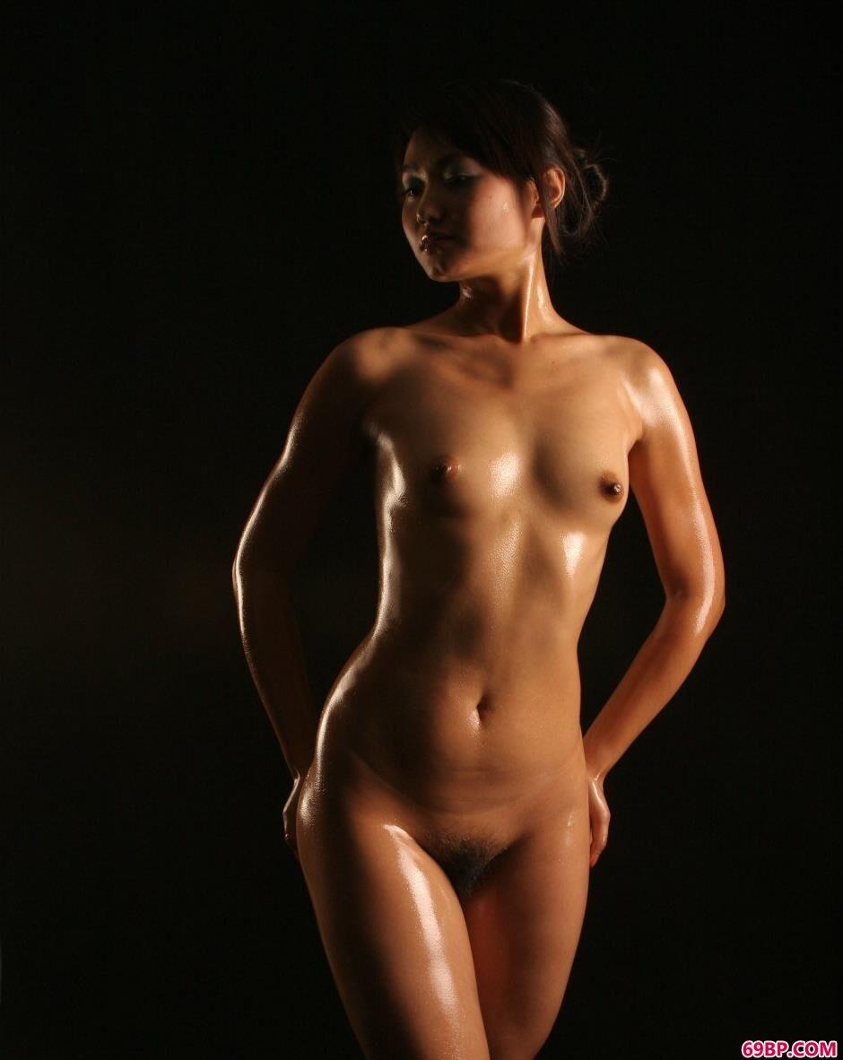 名模小君室拍健美好身材1_胸大的姑娘好吗