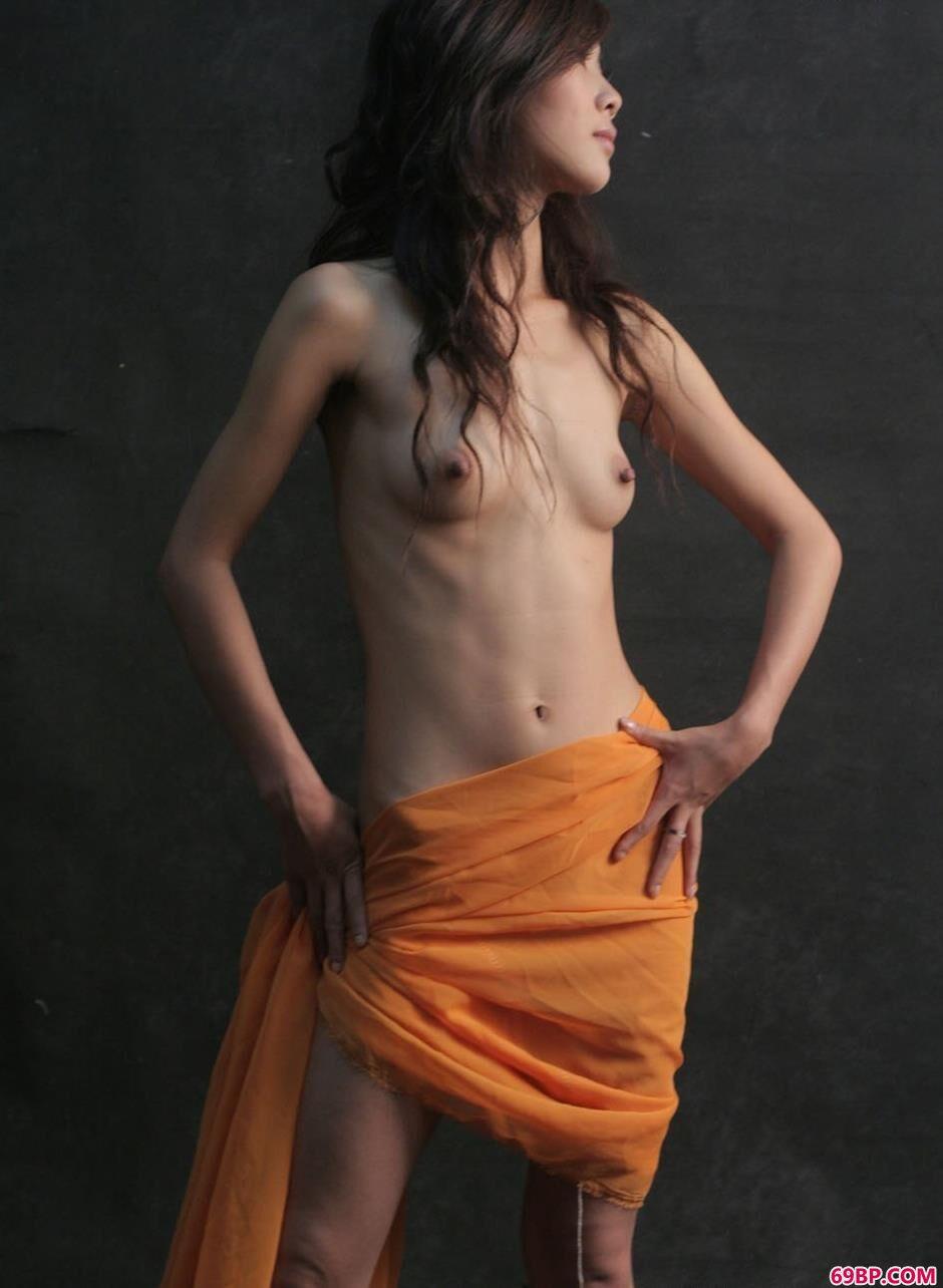 妹子英子羊毛毯上的风骚人体2