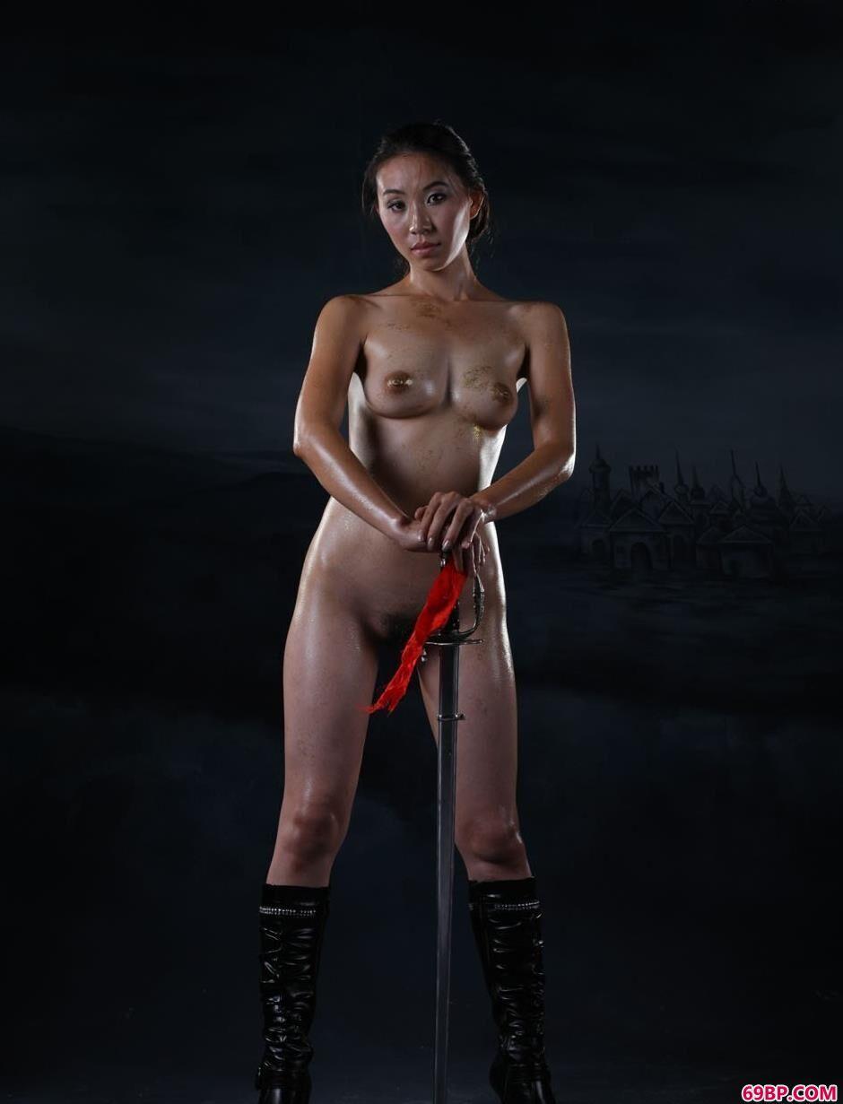 裸模金灵野性的释放2