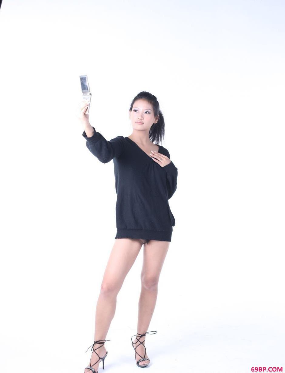 人体模特孕妇棚拍_靓妹优璇室拍手机人体