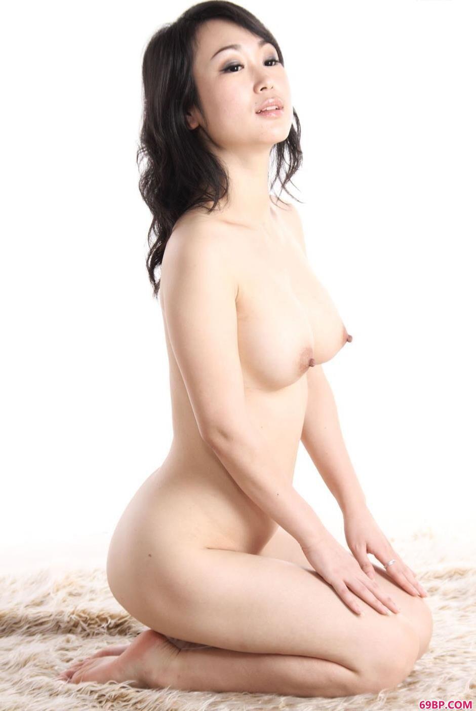 超模sulei室拍人体9_美女子裸体棚拍国模