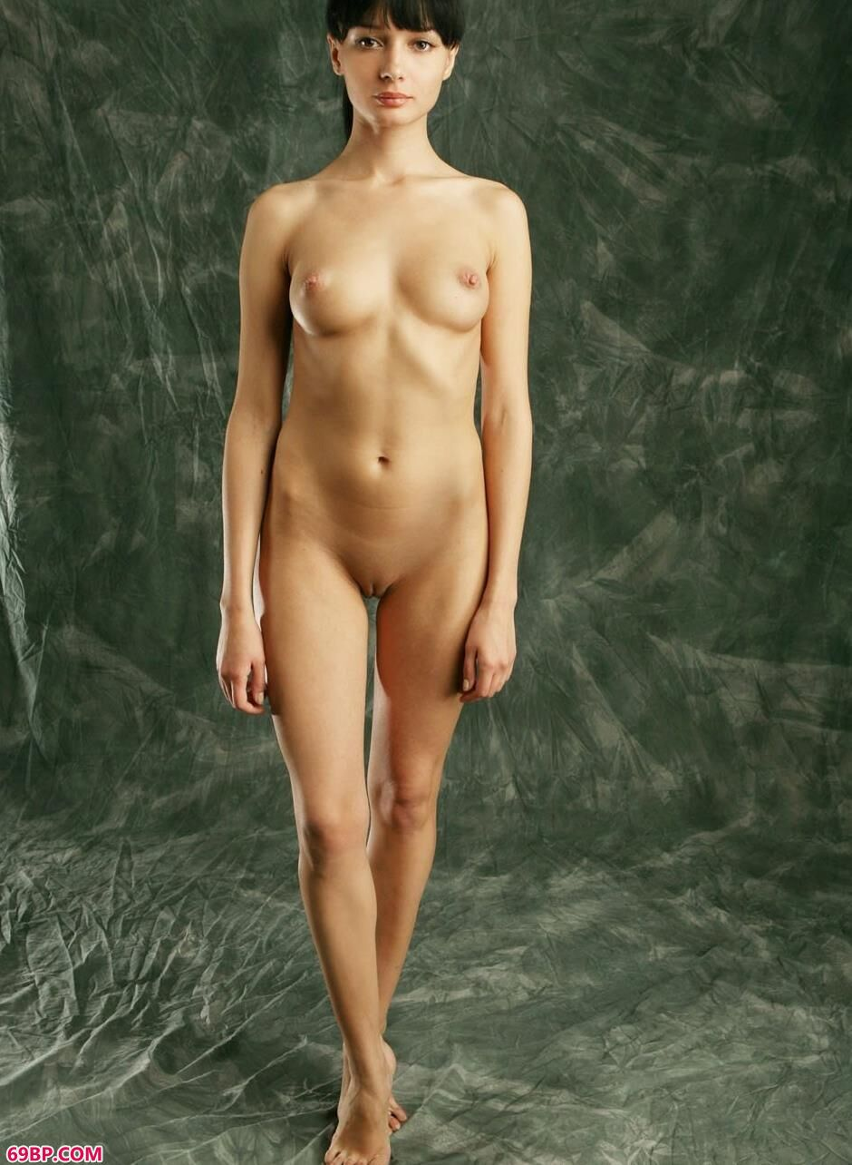 KATIA在篷布上的魅惑人体1