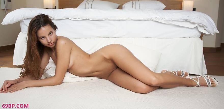 地毯上的外国妹子裸模1