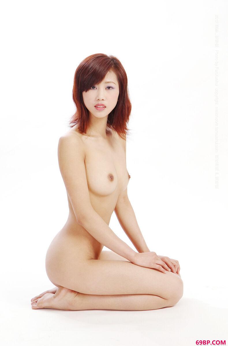 上一篇国模闫凤娇150p_时尚靓妹大尺度的诱人力