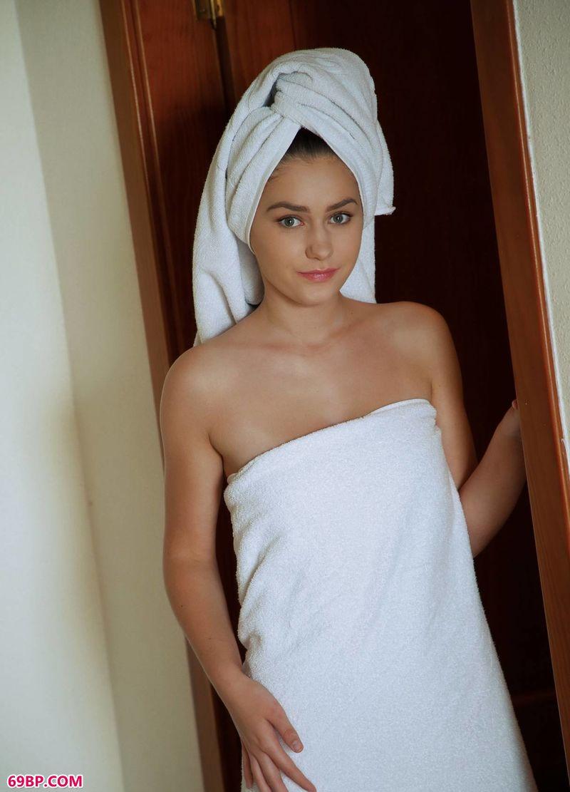 浴巾姑娘KACY